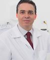 Alessandro Ferrarezi Do Sim: Dentista (Clínico Geral), Dentista (Estética), Implantodontista, Laserterapia (Dores e Lesões Orofaciais), Prótese Dentária e Reabilitação Oral