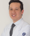Christian Wang: Oftalmologista